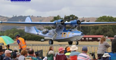 Catalina lands to growing crowds at Hood.